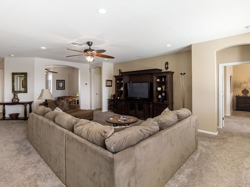 Lovely  home with pool, very quite and clean, vacation rental in Arizona City