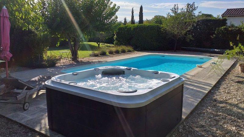 Maison 8 personnes calme avec SPA ,piscine privée 10×5 et sans vis  à vis., holiday rental in Coustellet