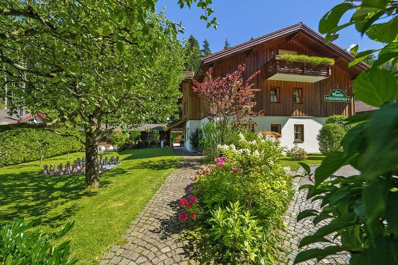 Landhaus Monika, Bayerisch Gmain, holiday rental in Upper Bavaria