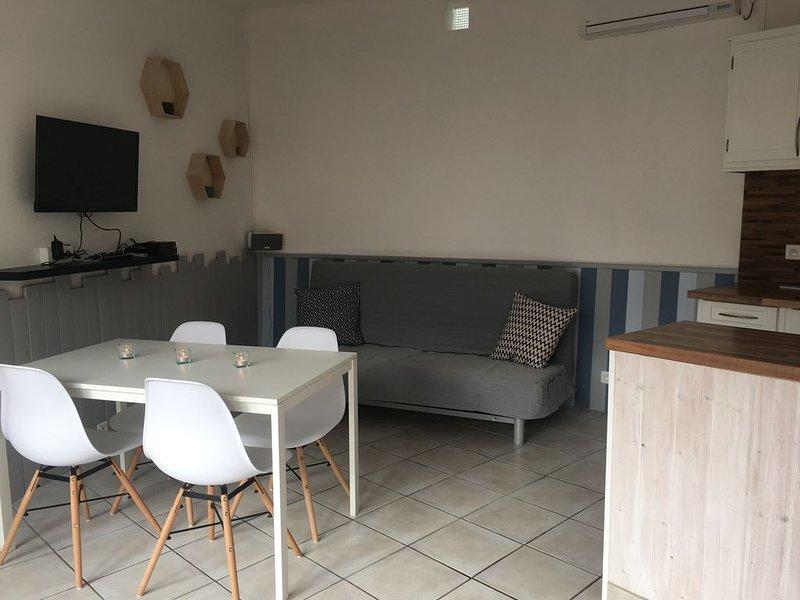 Villa avec accès direct à la plage de Torreilles. 2*, vacation rental in Saint-Laurent-de-la-Salanque