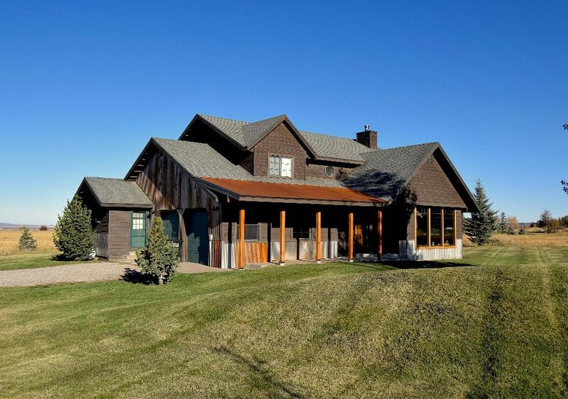 Teton Valley Retreat in Driggs, Experience the Incredible View of the Tetons, holiday rental in Driggs