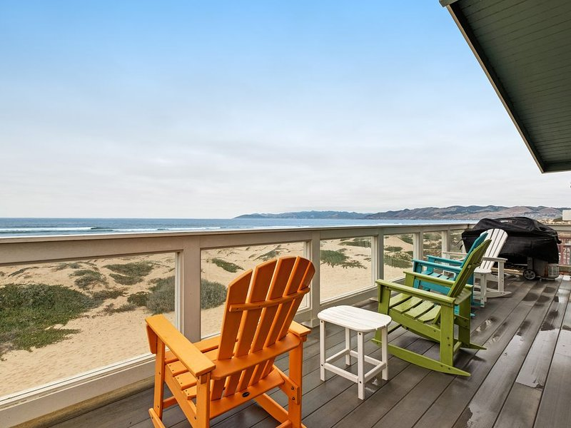 Beachfront home w/ private hot tub, amazing ocean views & two-level deck!, holiday rental in Oceano