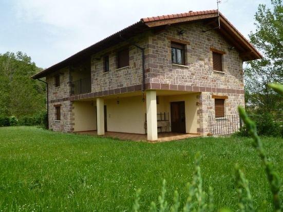 Casa rural (Planta Baja), holiday rental in Dobres