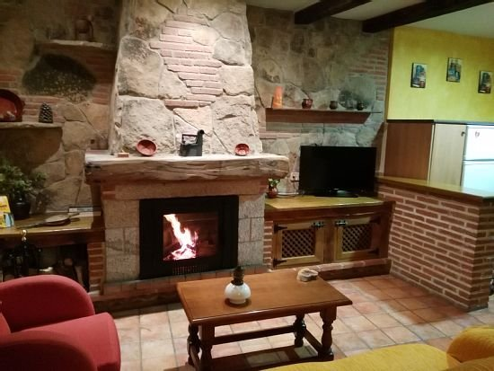 Casa rural (alquiler íntegro) El Cerrillo para 2 personas, location de vacances à Mombeltran