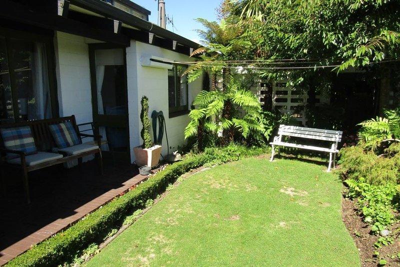 Central Taupo Cutie - Centrally located Unit, includes linen and *WiFi, casa vacanza a Taupo