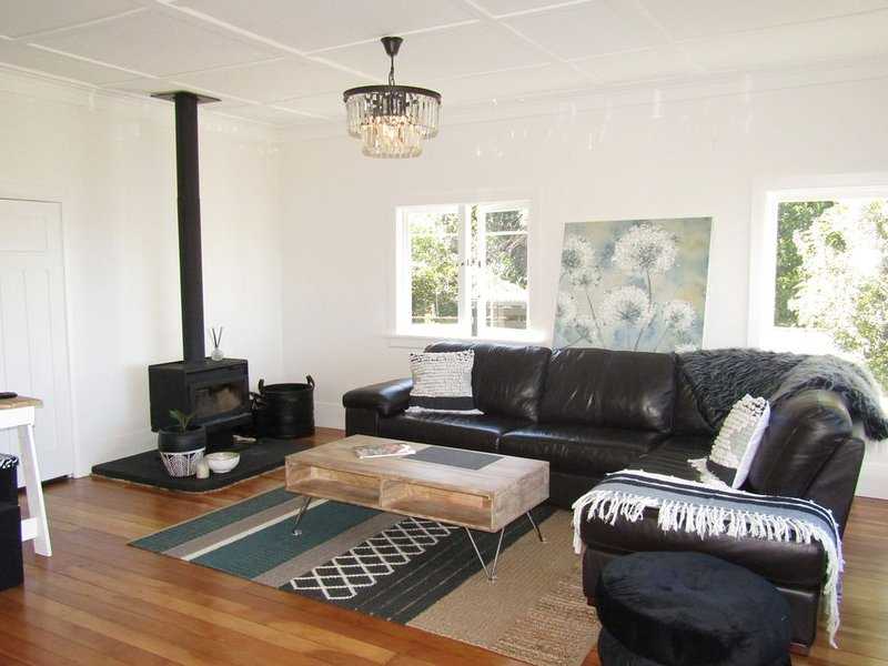 Wheretia Cottage - Central, pet-friendly cottage with WiFi & linen, holiday rental in Taupo