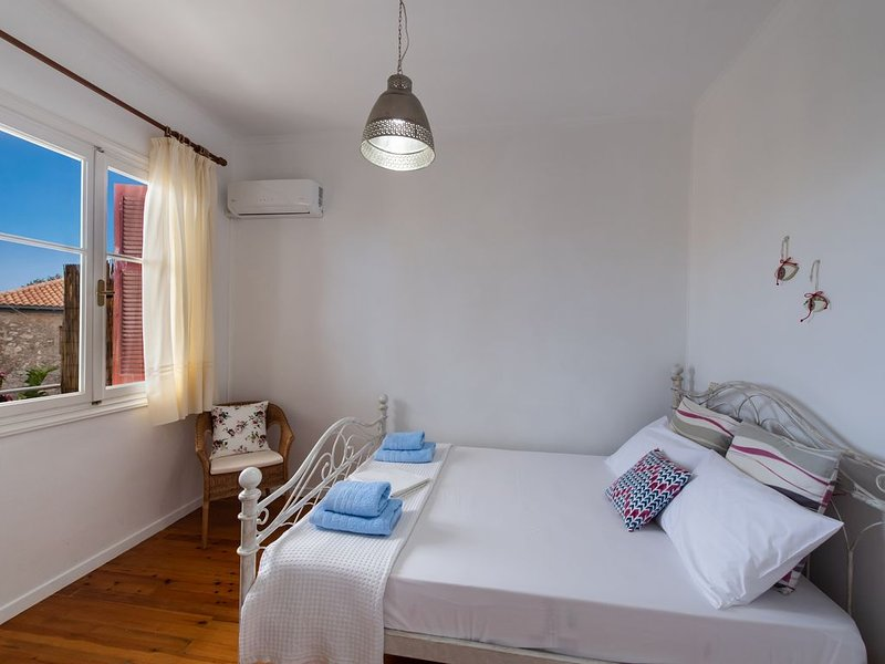 Cozy Village Apartment, holiday rental in Tsoukalades