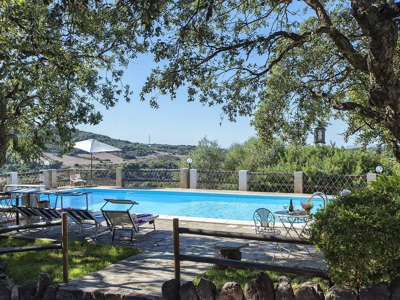 Splendida Villa immersa nella natura sarda vicino ad Alghero per relax e quiete, casa vacanza a Villanova Monteleone