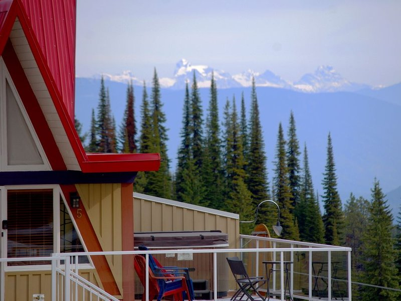 A Loft Above, Ski in/out, 3 Lofts, Private Hot Tub, aluguéis de temporada em Vernon