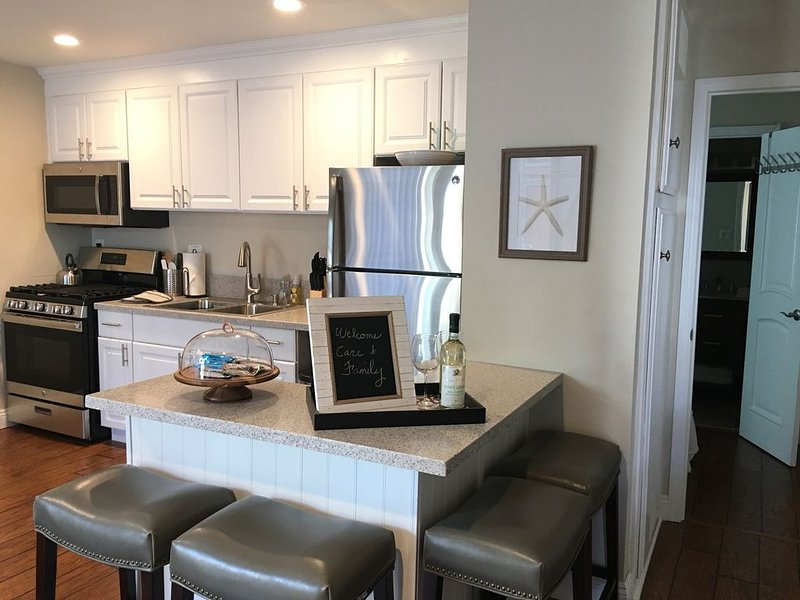 Discounted 4 the Season! Beach close, A/C, Family & Pet Friendly,  Downtown HB., holiday rental in Huntington Beach