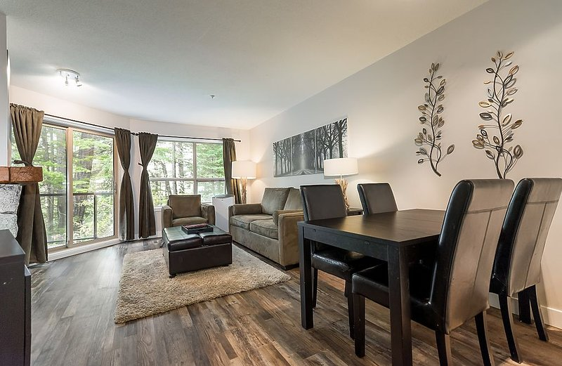 Ski in - Ski out!  Ground floor, renovated, cozy 1 Bedroom, vacation rental in Whistler