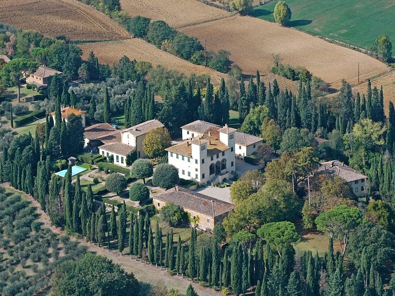 Exquisite 17th Century Medici Tuscan Villa, holiday rental in Montagnano