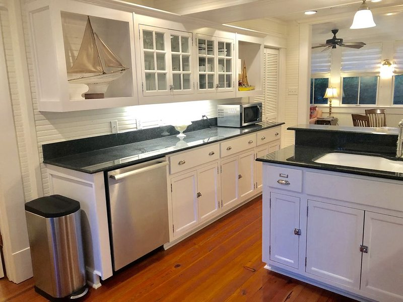 Incredible 3BR/2BA Magnolia Springs retreat, holiday rental in Point Clear