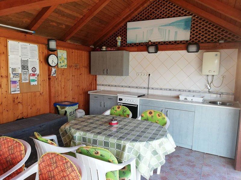 Ferienwohnung medencével és balkonnal, casa vacanza a Vonyarcvashegy