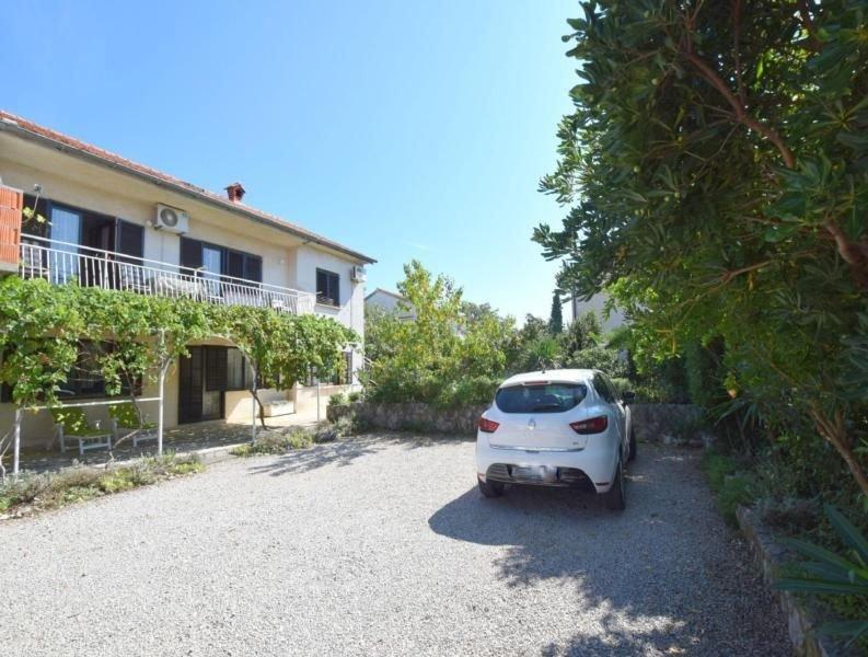 Ferienwohnung Omisalj für 2 - 3 Personen - Ferienwohnung, casa vacanza a Omisalj