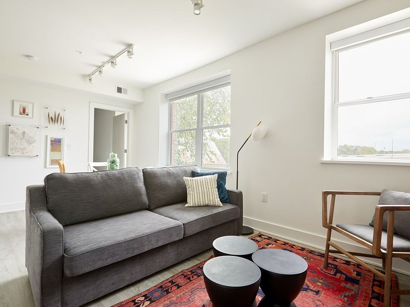 Sonder | 2BR + Terrace | Near Virginia Avenue Park, holiday rental in Temple Hills