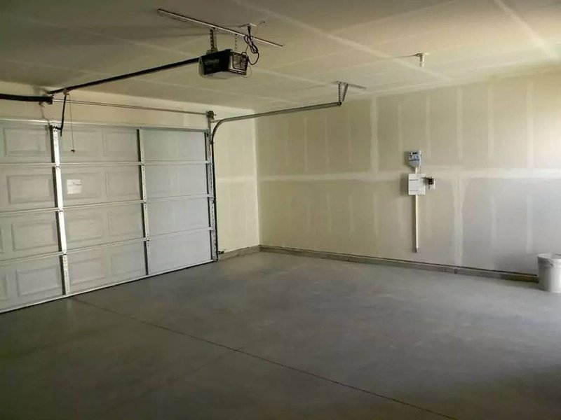 Detached 2 car garage for your use