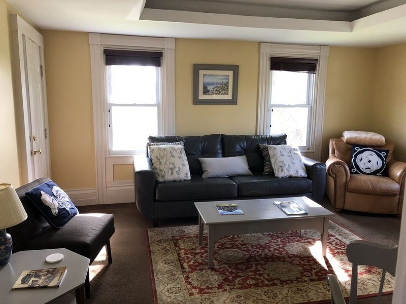 Classic New England Home near town, vacation rental in South Thomaston