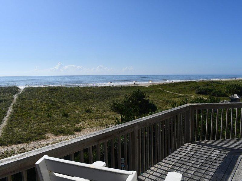 Oceanfront Great Views!! 5BR  Pool, Hot Tub, Pet friendly, sleeps 12,  Clean!!!, holiday rental in Hatteras Island