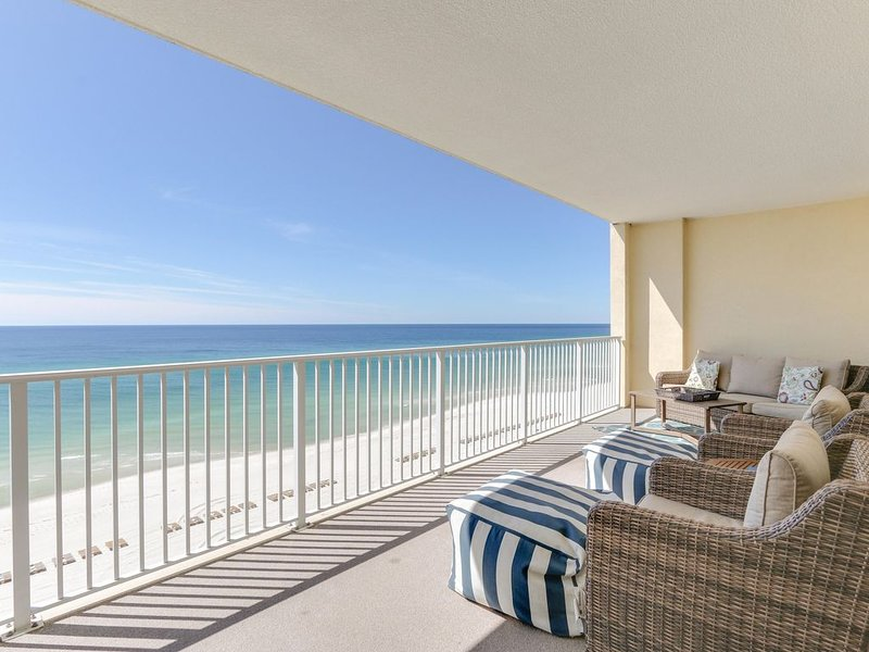 Beach Front * BEST RATES * FREE High Speed Wifi * Newly Renovated * 5/5 Stars, alquiler de vacaciones en Panama City Beach