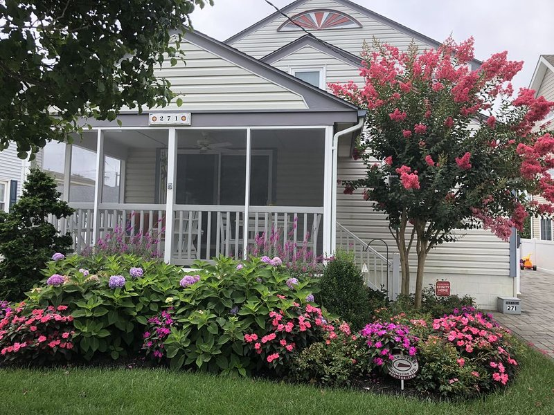 Park and Walk to Beaches, Bay, Shopping, Bars and Dining, holiday rental in Stone Harbor