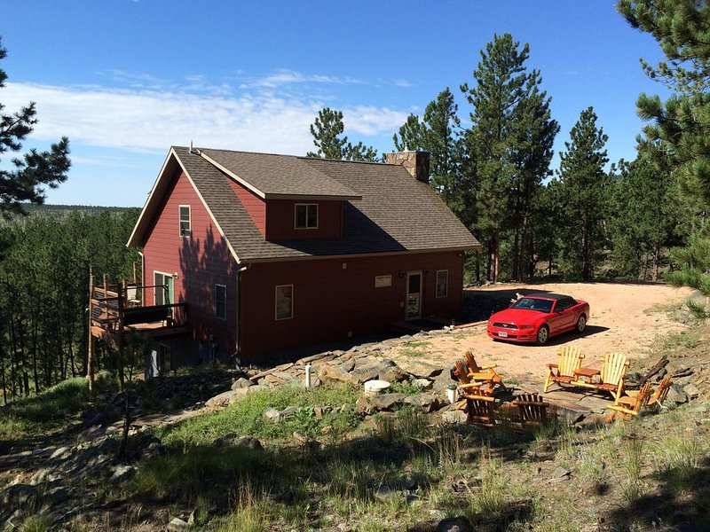 Enjoy the quiet at Hog Heaven, holiday rental in Custer