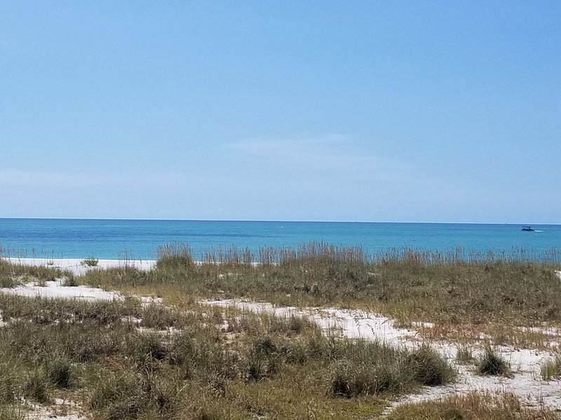 Shirley's Way Beach House - Panoramic Gulf-Front Home on Anna Maria Island, holiday rental in Anna Maria