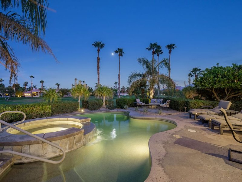 COME GETAWAY!!!! POOL Home directly on Palmer., holiday rental in La Quinta