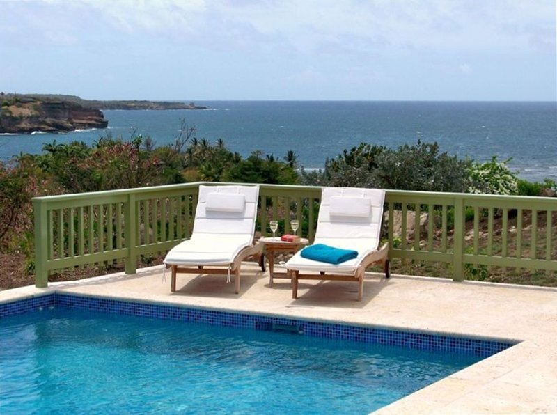 Villa with Spectacular Views & Pool in Unspoiled Grenada, alquiler de vacaciones en Crochu