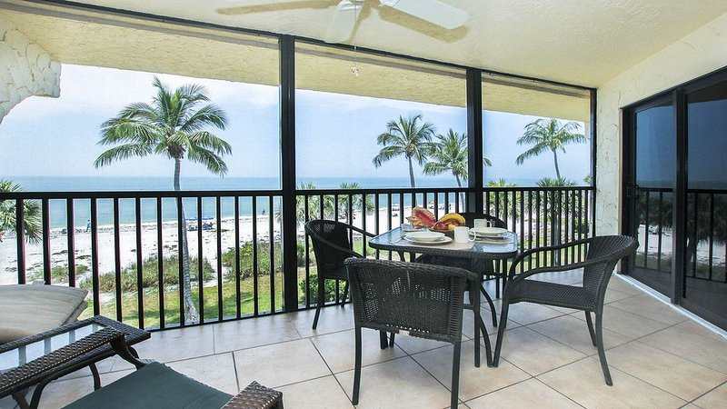Direct Gulf Front *Remodeled*Best View*Pointe Santo, vacation rental in Sanibel