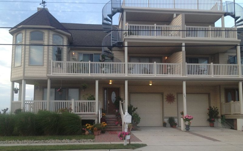 Wildwood by the Bay.. lovely 3 room private suite., holiday rental in Wildwood