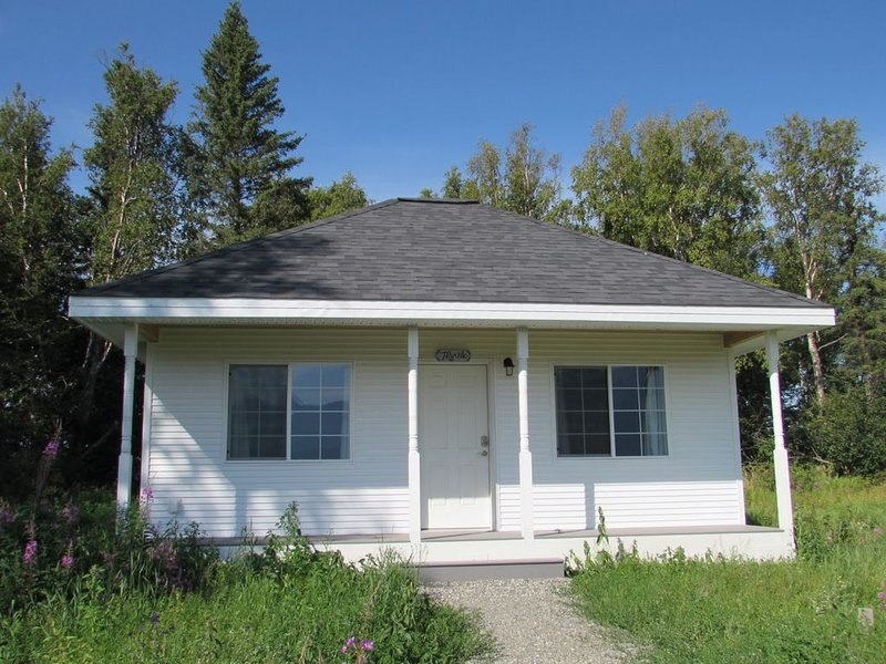 NEW Self contained- Beautiful Mt. View- Bungalow, vacation rental in Palmer