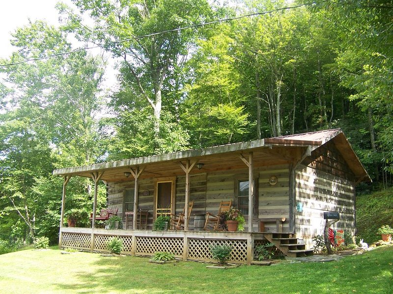 Quiet Mountain Cabin, alquiler de vacaciones en Blowing Rock
