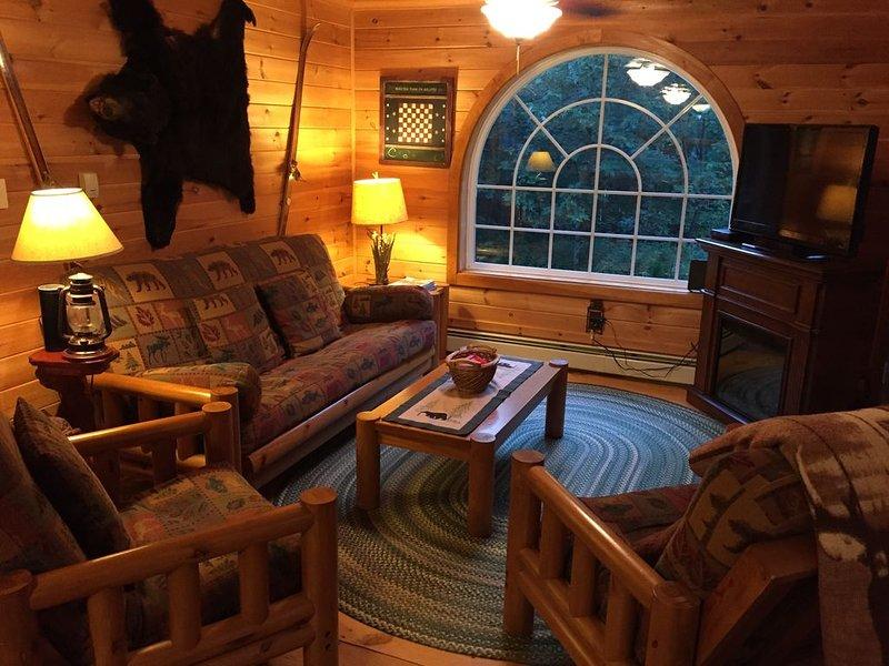 Sugarloaf Pine Home, Clean, Surrounded by Fir Trees, Wildlife,, alquiler de vacaciones en Eustis