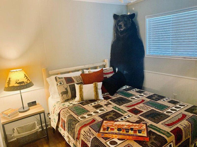 Northgates Bear Lodge Cottage sleeps 6!, location de vacances à Bryan