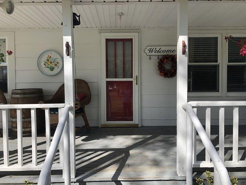 Charming 3/2 1400sf country farm house on 32 acres, location de vacances à Monterey