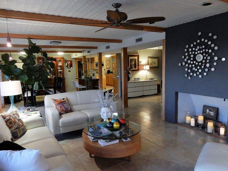Casa York: A midcentury modern birding and nature haven in Harlingen, Texas., alquiler de vacaciones en Olmito