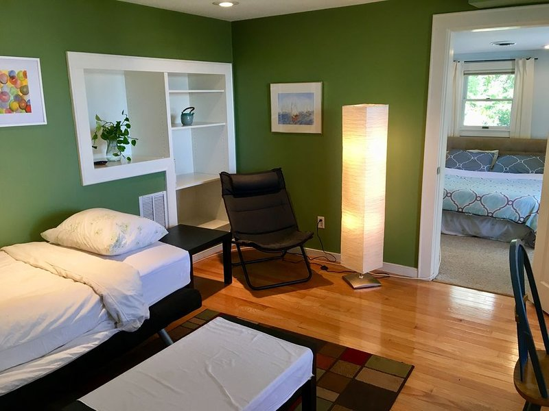 Close to the City - Far from the Hassles, holiday rental in Lynn
