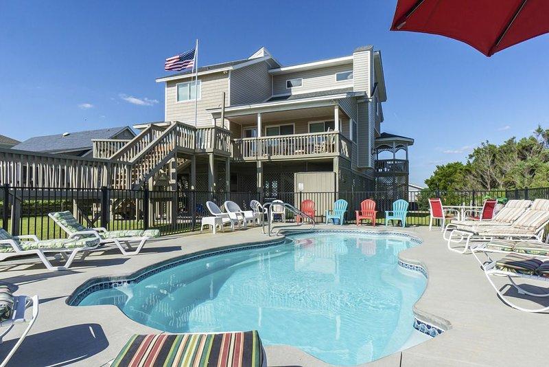 Free Spirit - 6 Bedroom oceanfront home with ocean and harbor views, alquiler de vacaciones en Caswell Beach