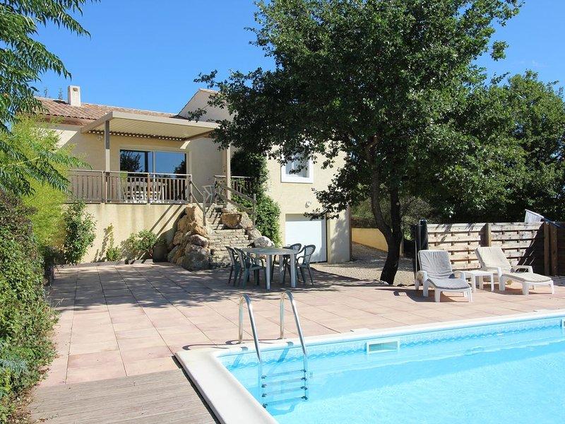 Villa avec piscine privée,  chambre climatisée, holiday rental in Pailhes