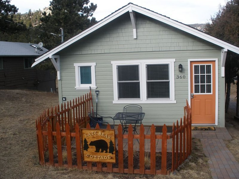 Lazy Bear Cottage - Very close to downtown!  Newly Renovated, 1 Bedroom, 1 Bath!, vacation rental in Estes Park
