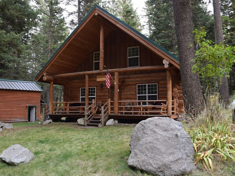 Explore the Wallows while enjoying the comforts of a log cabin, holiday rental in Joseph