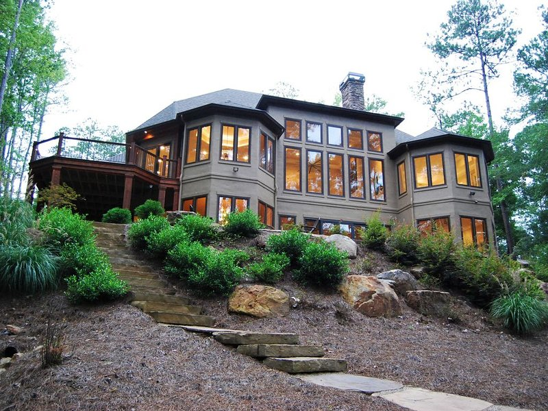 Lake Access Home with Beautiful View - Reynolds Lake Oconee., holiday rental in Greensboro