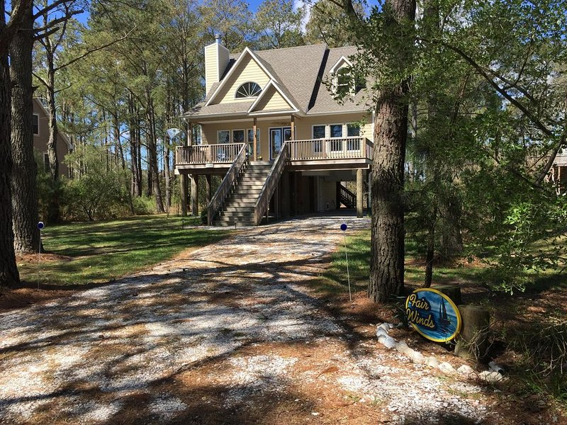 Immaculate home, close to the bridge to Assateague, bike to the beach!, alquiler de vacaciones en Isla de Chincoteague