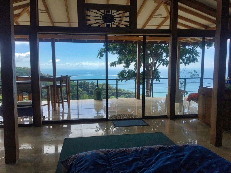 Epic Front Row Whale's Tail views with Elevated Cooler Climate, vacation rental in Uvita