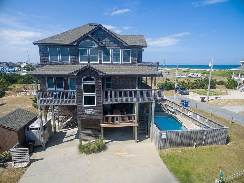 3 MIN WALK TO BEACH, Semi  -Oceanfront, 5 BRs 5 1 /2 BA, Pool, Hot Tub, Dogs Ok, holiday rental in Hatteras Island