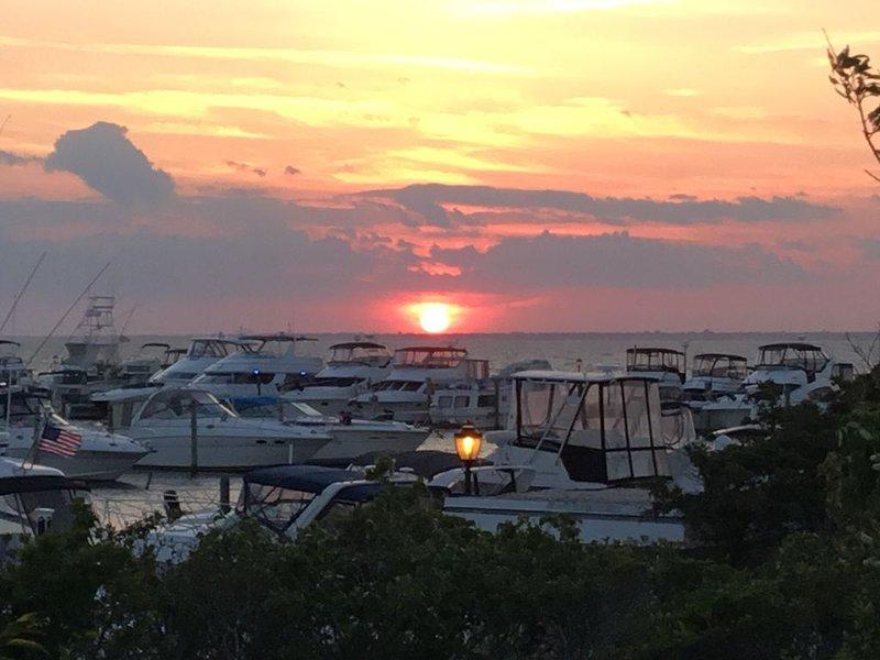 Bay Views and Sunsets on Davis Park., aluguéis de temporada em Cherry Grove
