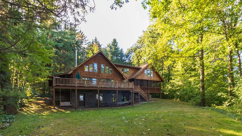 Blue Heron Lodge - Adirondack Luxury on Cayuga Lake, vacation rental in Romulus
