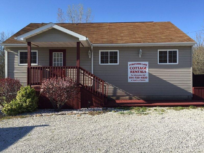 Weekly Cottage rental At Pymatuning Lake!  Next to Yorkies Ice Cream!!, location de vacances à Jamestown