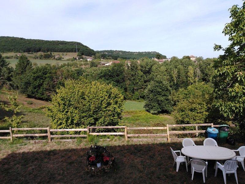 Gîte familial en Quercy , 8 couchages, très nature, très Lot., location de vacances à Autoire